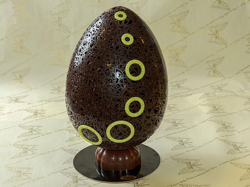 Uova di cioccolato fondente